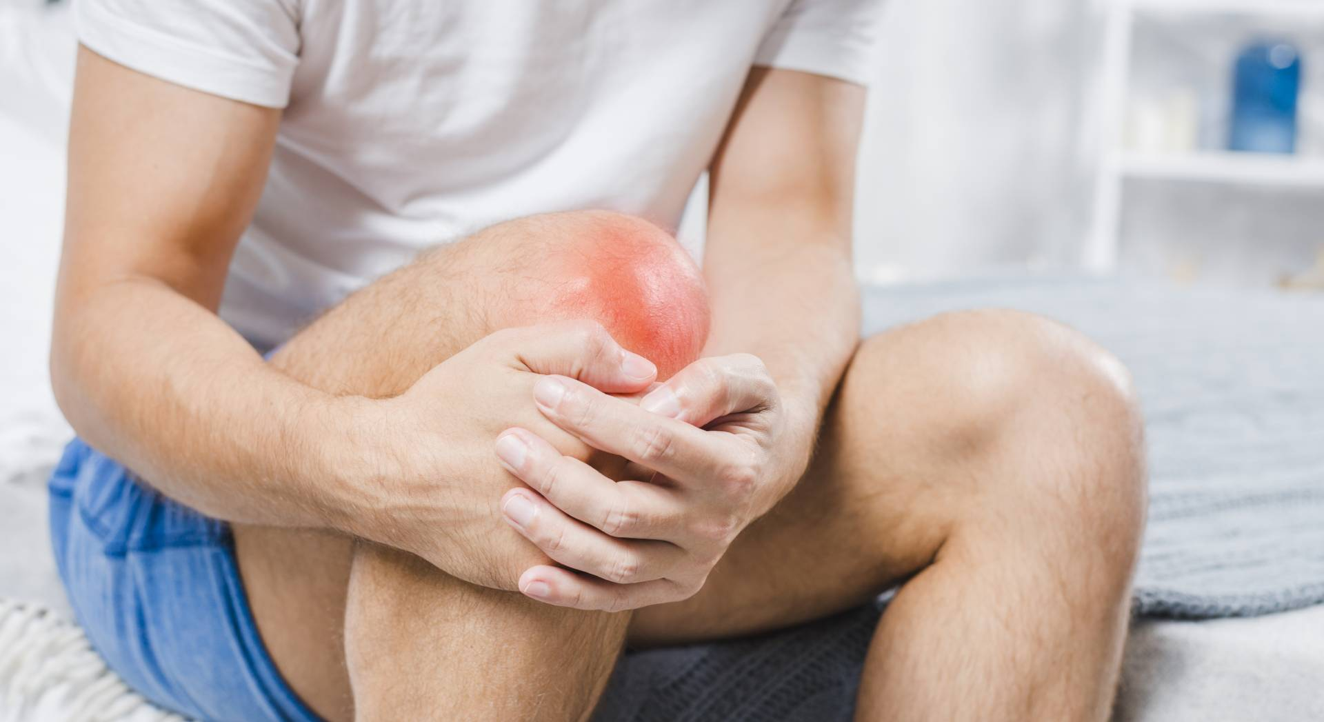 Un paziente soffre di dolori al ginocchio che potrebbe curare con le onde d'urto